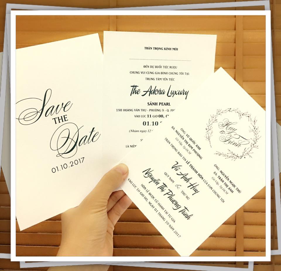 thiệp cưới màu trắng